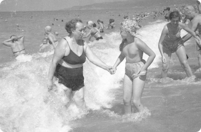 Фото дети на пляже голыш