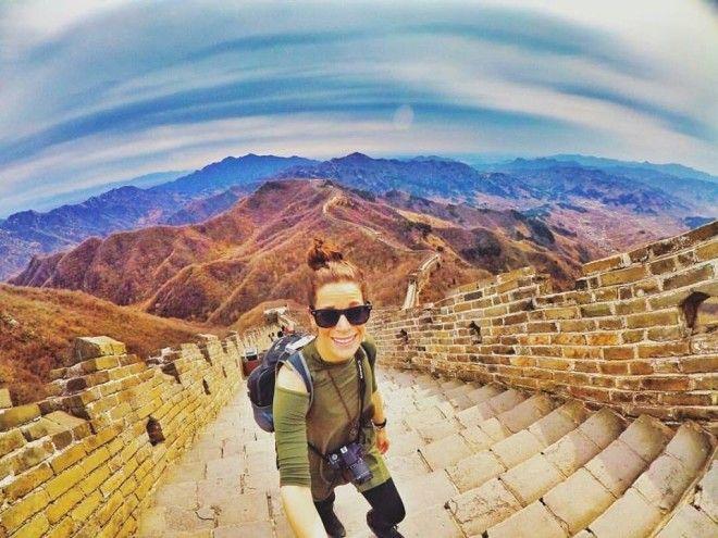 Девушка путешествует по миру уже 5 лет и вот что она узнала о деньгах