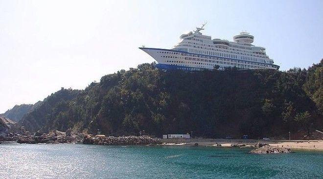 Sun Cruise Hotel отельлайнер на горе