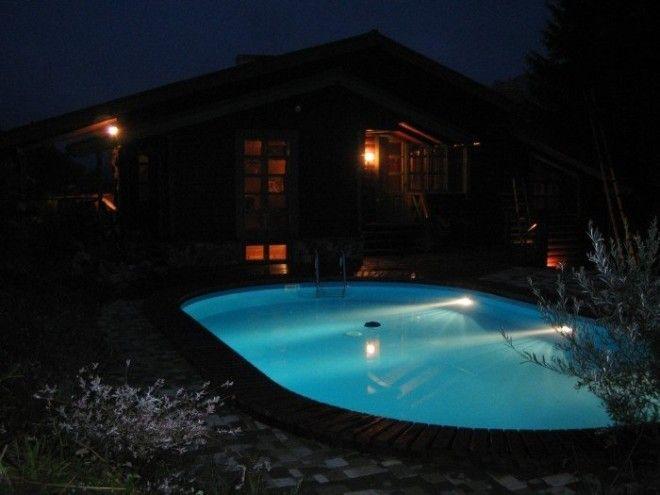 ночной бассейн у дома