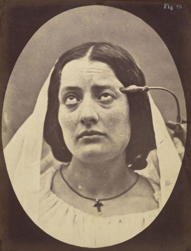 Молящаяся монахиня лицо наука эмоции