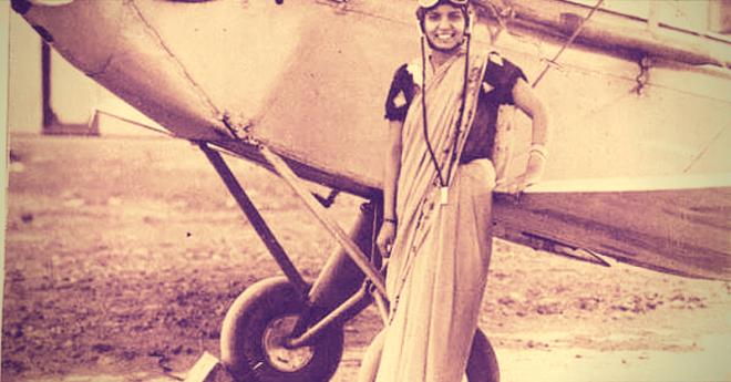 Шарла Такрал первая женщина в Индии получившая лицензию пилота женщина индия история