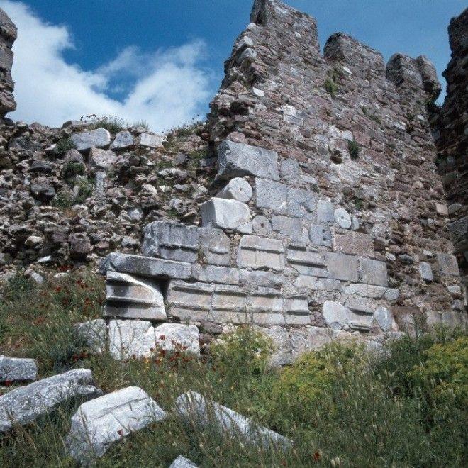 Византийская крепость на острове Лесбос