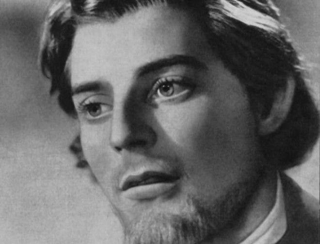 Жерар Филип в роли князя Мышкина в фильме Идиот 1946 Фото kinoteatrru