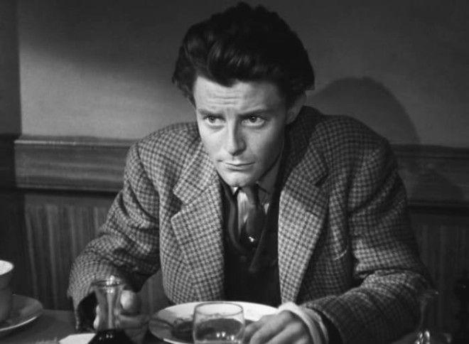 Жерар Филип в фильме Такой прелестный маленький пляж 1949 Фото kinoteatrru