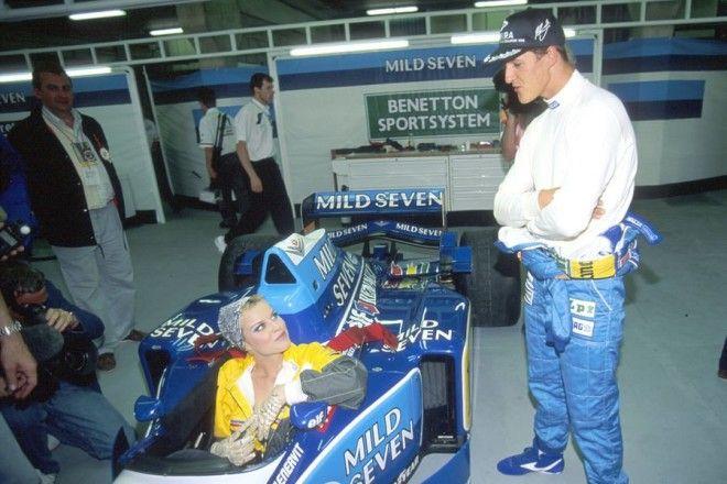 Полуобнаженные красавицы Формулы 1 Фото 10