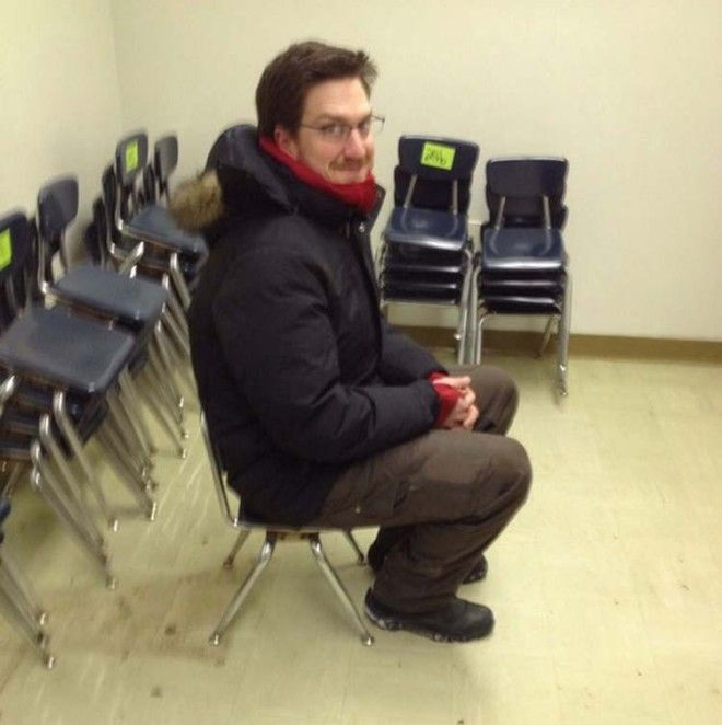 Заказал в Интернете 50 стульев но в итоге они оказались для деток из младшей школы заказ интернет ожидание и реальность прикол