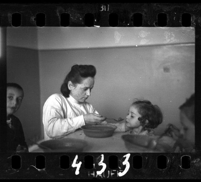 Фотографеврей на свой страх и риск запечатлел жизнь в польском гетто