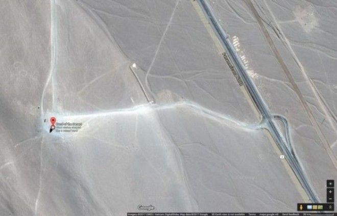 Рука пустыни на карте Google