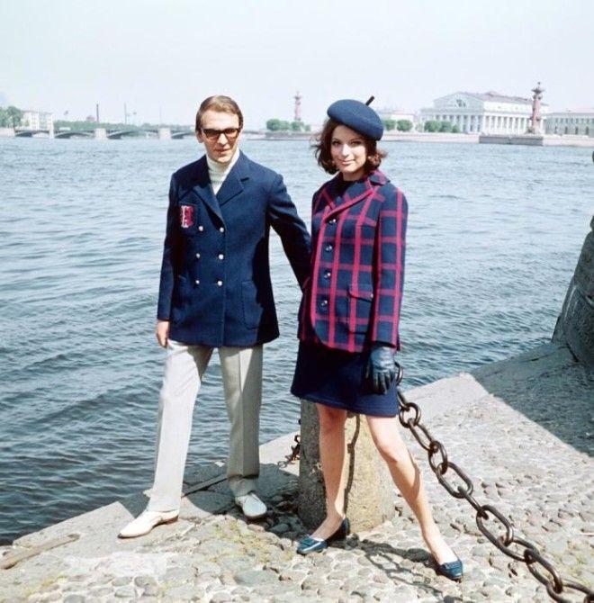 Весенние комбинированные костюмы из новых шерстяных тканей СССР 1968 год
