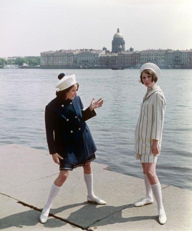 Показ укороченных пальто в комплекте с платьем и костюмом СССР 1968 год
