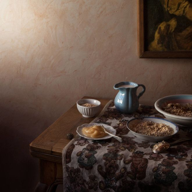 Bотограф воссоздает пиры описанные в известных литературных произведениях