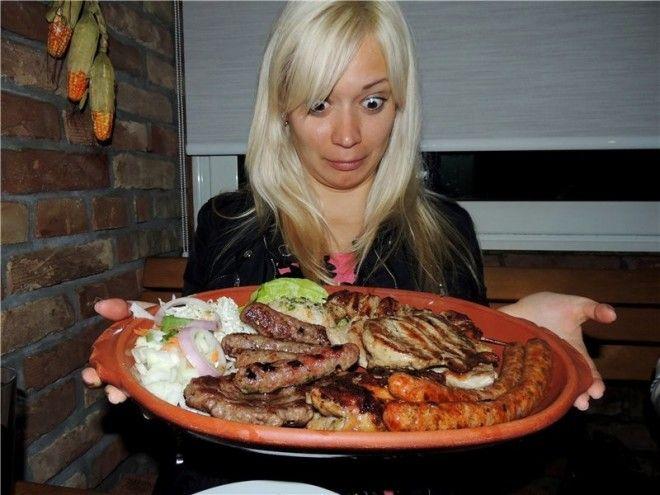 10 Порции в Черногории еда обжора с голодного края смешно