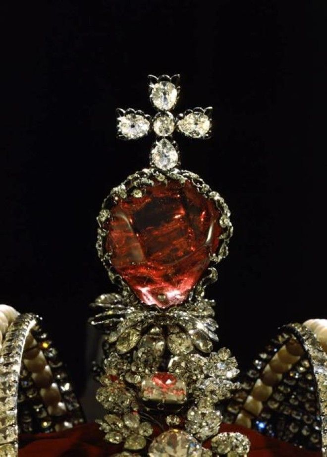 Красная шпинель Большой короны