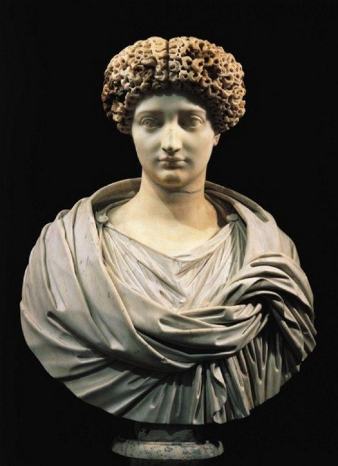 Мраморный бюст Юлии сосланной ее отцом императором Октавианом Августом