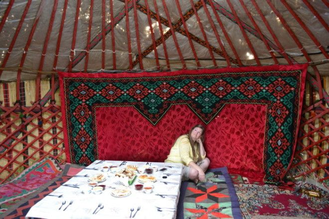 Внутри киргизской юрты Фото queserasaracom