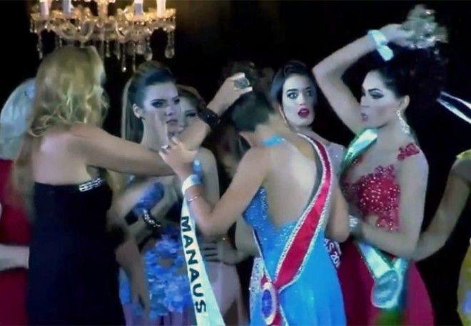 L7 примеров того как опозорились девушки на конкурсах красоты