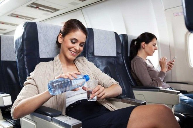 SЭти 14 вещей ни в коем случае нельзя делать в самолете
