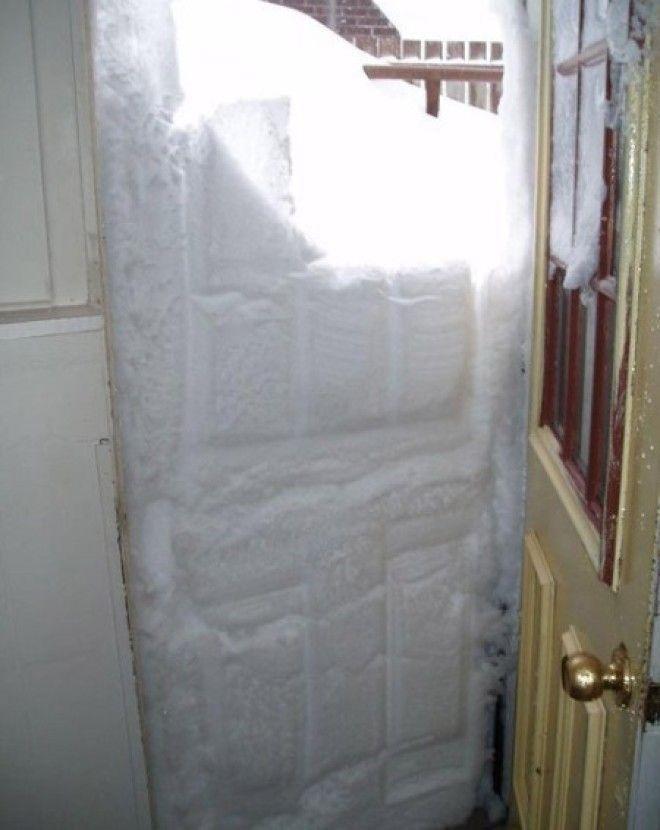 SВот почему двери домов в СССР открывались во внутрь а не наружу