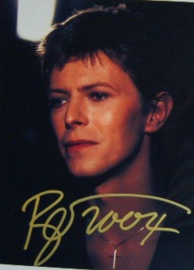 Дэвид Боуи автографы известных людей