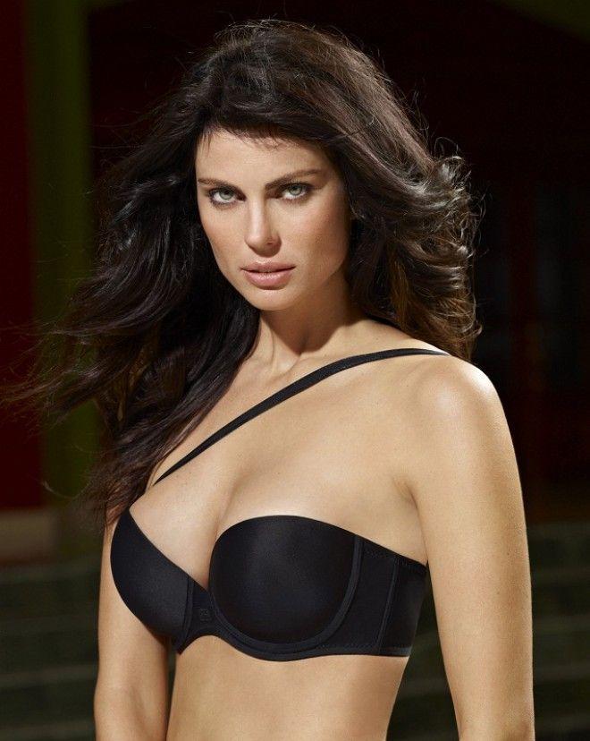 Фабиана Тамбози (Fabiana Tambosi) - красивая бразильянка. Фото