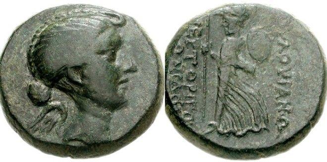 Древнеримские монеты с профилем Фульвии Фото ruwikipediaorg
