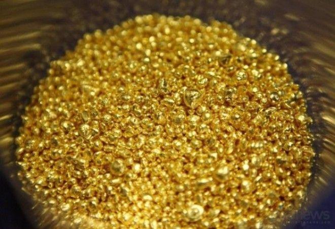 BКак выплавляют золотые слитки