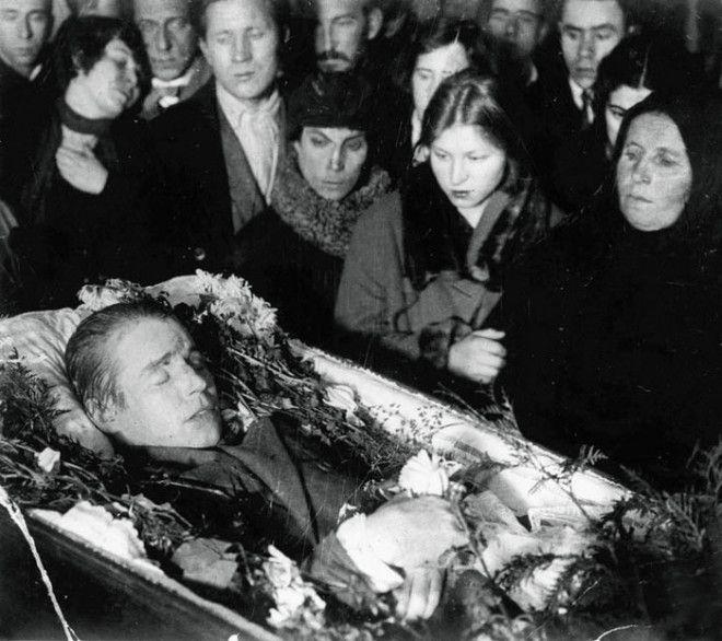 Сергей Есенин – золотая душа российской поэзии в редких фотографиях 18