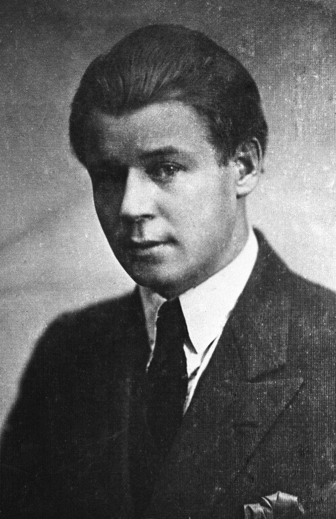 Сергей Есенин – золотая душа российской поэзии в редких фотографиях 26
