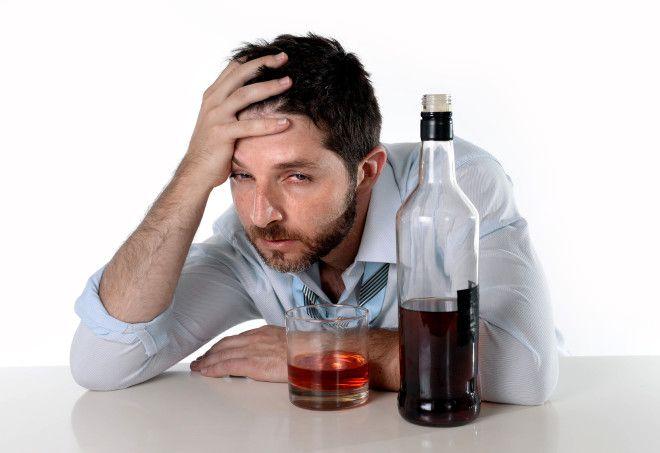 Картинки по запросу мужчина алкоголь