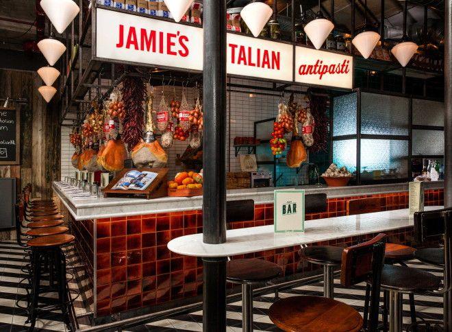 Lак Джейми Оливер создал кулинарную империю и стал самым богатым поваром