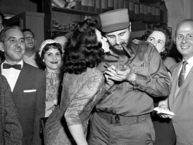 Команданте всегда пользовался огромной популярностью у женщин Фото tunnelru