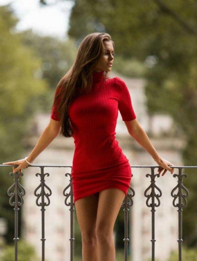 Красотки в обтягивающих платьях