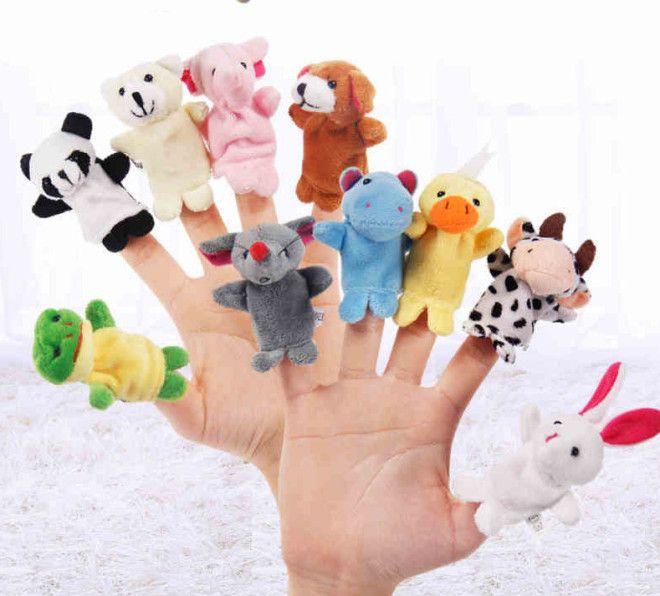 1. В детстве у многих были подобные игрушки на пальцы или даже на целую руку, кто-то делал их своими руками. Со временем они трансформировались в подобные очаровательные мягкие игрушки Смешно и грустно, детские, игрушки, ленивые производители, ужасные игрушки, фото