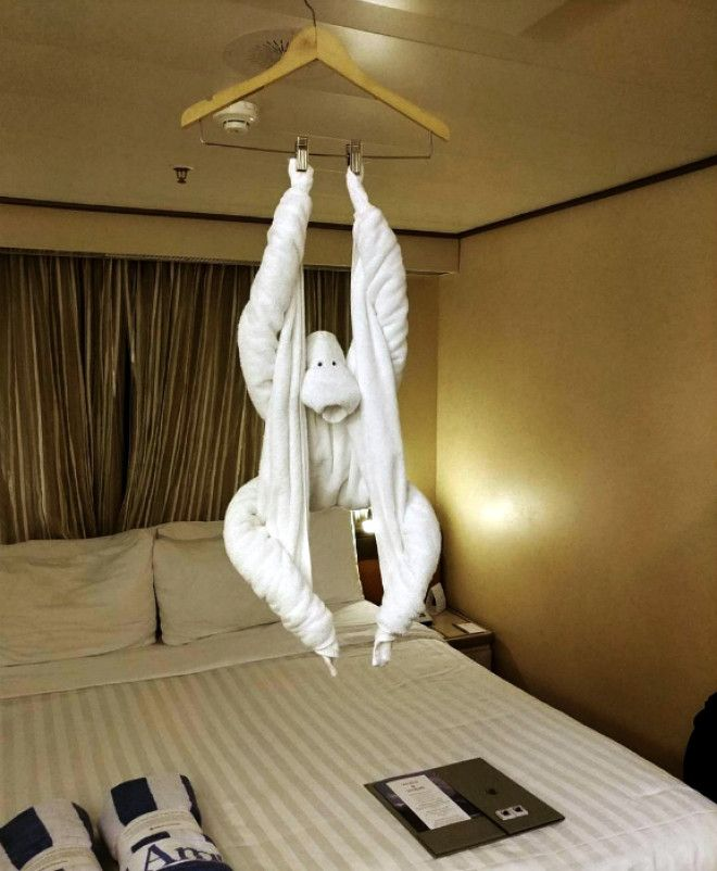 Забавная обезьянка из полотенца