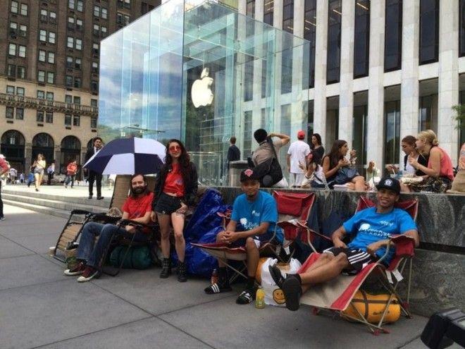 2 Они выстраивают очереди за новым iPhone apple люди мир особенность пользователь устройство факт