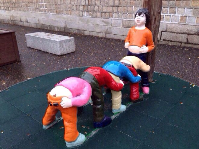 Детские игрушки, которые могут сломать психику даже взрослым Смешно и грустно, детские, игрушки, ленивые производители, ужасные игрушки, фото