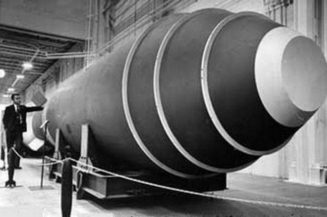 42000килотонная водородная бомба случайно упала с самолета в 1957 году