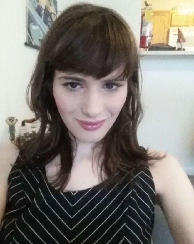 BПарень 17 месяцев принимал гормоны и снимал как он превращался в женщину