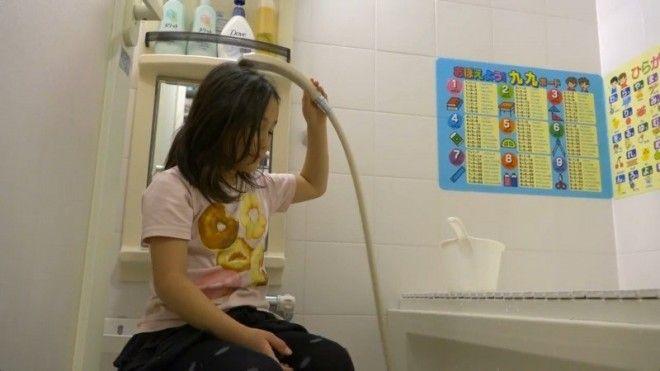 Душ перед принятием ванны ванная ванная комната дизайн для дома необычно познавательно удобства япония японцы