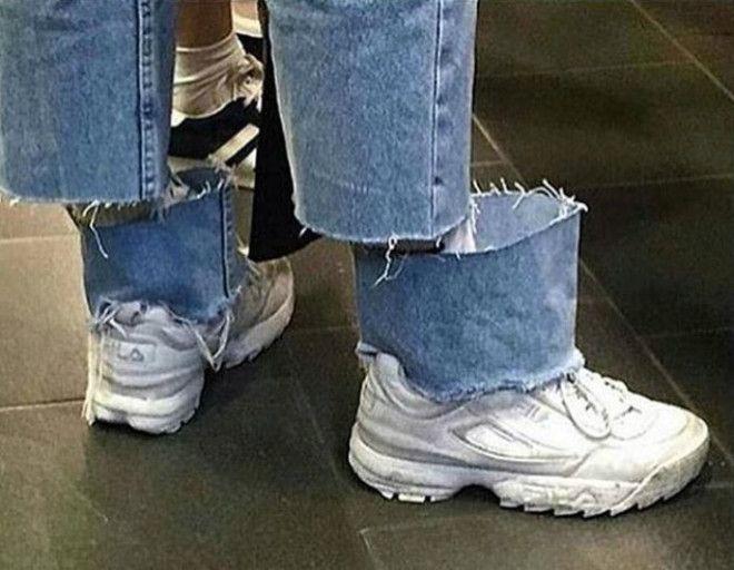 Порезанные джинсы