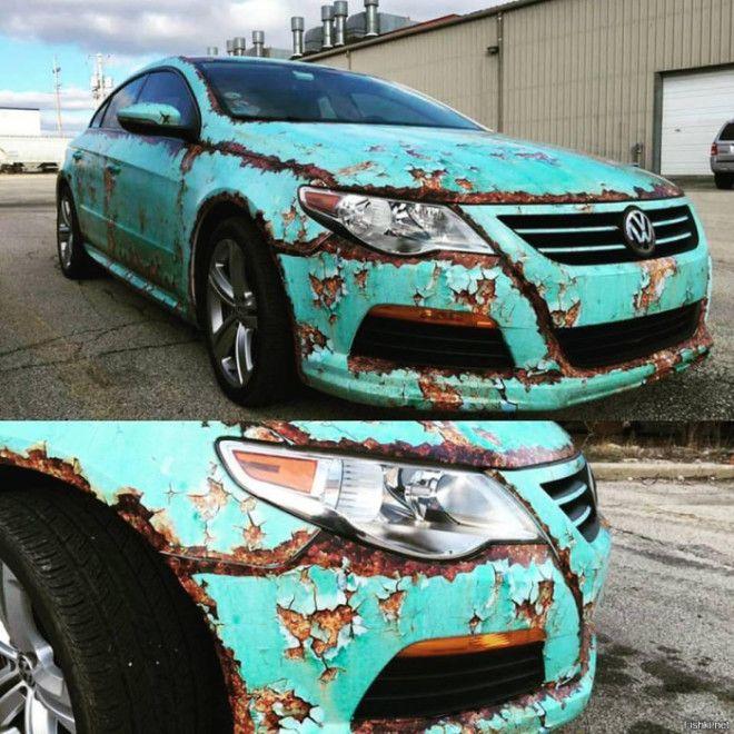 Популярный среднеразмерный седан Volkswagen Passat оклеенный пленкой в стиле рэтлук Фото twittercom