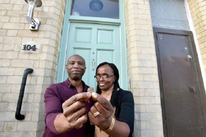 Сэм и Рэйчел Камау которые купили дом всего за 1 фунт стерлингов