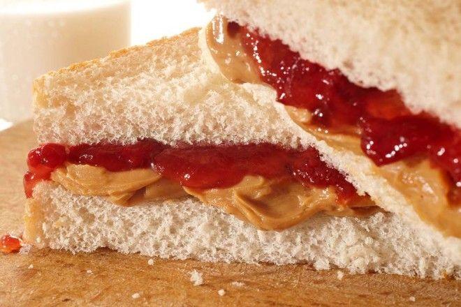 Картинки по запросу peanut butter and jam sandwich