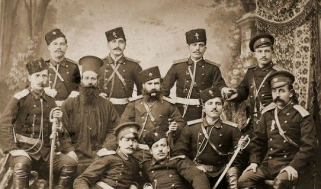 Болгарские офицеры во время войны 1885 года