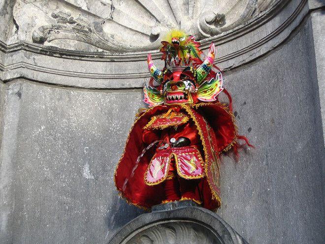 Статуя в наряде злого духа инков