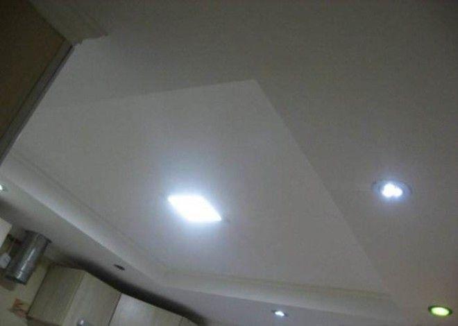 Двухуровневый потолок хорошее решение для кухни в хрущовке