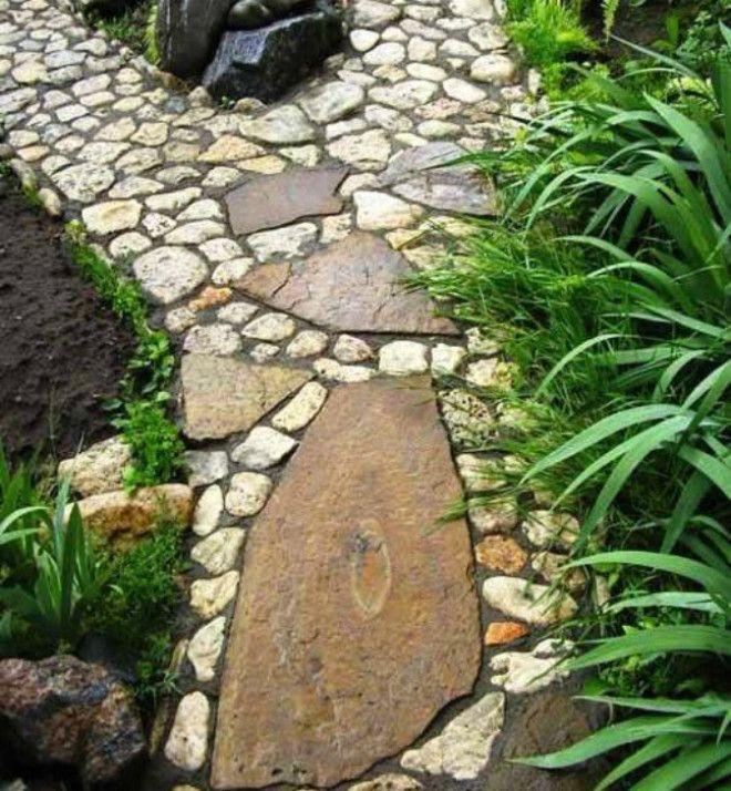 Дорожка из речных камней
