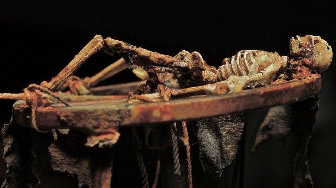 Ланнистеры и Старки нервно курят или парочка жутких смертей из эпохи Средневековья которые и не снились Игре престолов