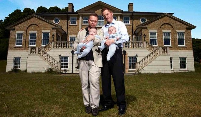 Как живут дети мужчин-геев, которые первыми воспользовались услугами суррогатной матери